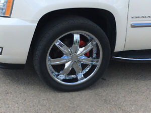 305/40R22 Alloy wheels with tires!!