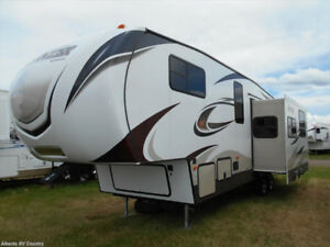 2015 Keystone Sprinter 5th wheel - Brand New Condition!