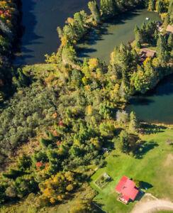 Luxueux Chalet champêtre, Bord de l'eau/Luxury lakefront Cottage