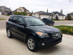 EXCELLENT CONDITION! 2012 Hyundai Santa Fe SUV, Crossover