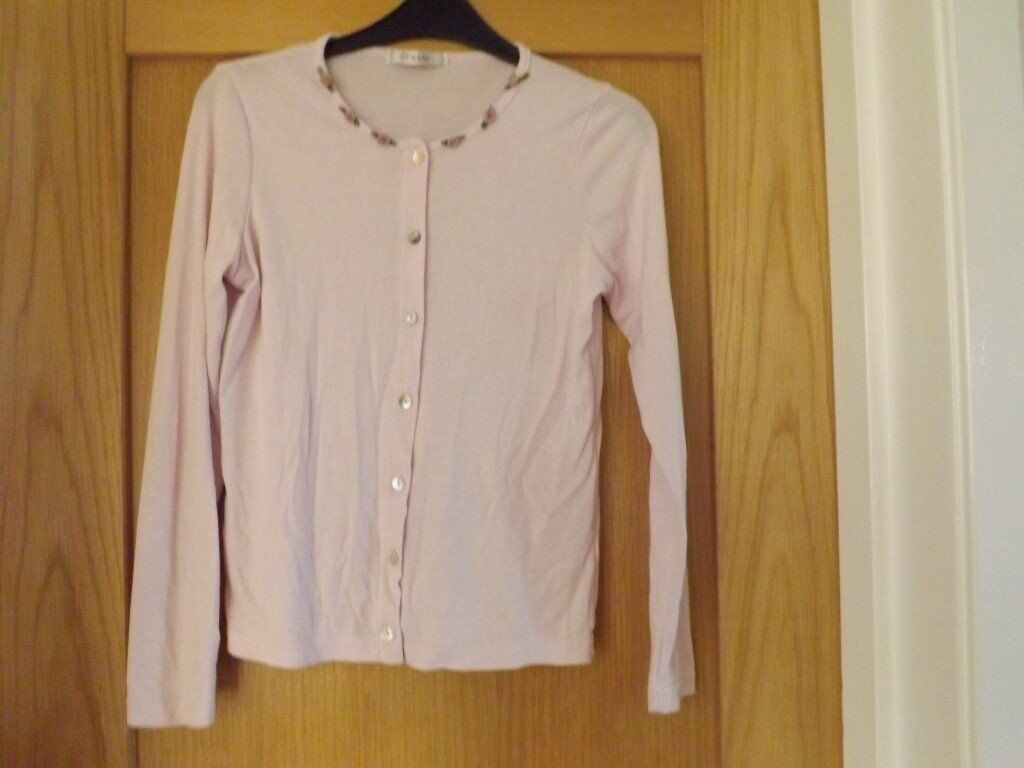 Cardigan and Top Set Size 10in Peterculter, AberdeenGumtree - Cardigan and Top Set Size 10 in excellent condition. Smoke free home. Collect only
