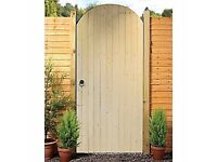 Wickes Softwood Ledged & Braced Arched Top Timber Gate Kit 1981 x 988mm