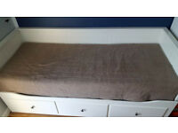 Ikea hemnes day bed with 2 mattresses / single converts to kingsize bed