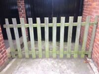 Picket fence panels £20 for 16 metres