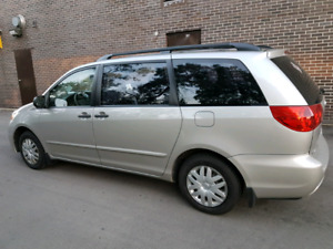TOYOTA SIENNA CE -- AS IS