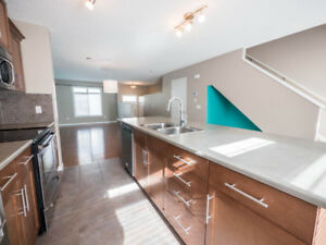 LAKE ACCESS plus All the Comforts in SUMMERSIDE!
