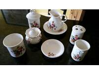 BROSNIC BONE CHINA SET