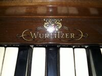 Wurlitzer antique organ very good condition