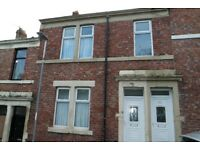 Felling,Gateshead.Immaculate 3 bedroom upper flat.Near Metro Station..No bond!Dss Welcome!
