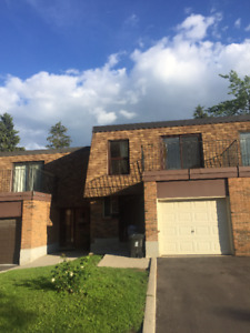 Finch/Warden 4 Bedrooms whole Townhouse for lease