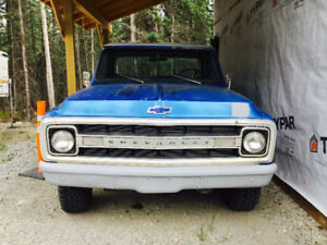 1969 running, driving Chev1500 4x4 with like new spare 454 motor