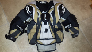 Reebok Youth. Chest Protector (L/XL)