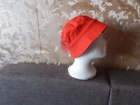 """Hat""""H&M""""Red Size: Eur 110/116 ,Age 4 - 6 Years New With Tags from Norway"""