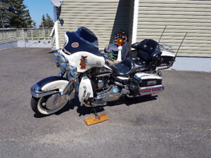 Harley Davidson Ultra Classic Electra Glide - Shriner Edition