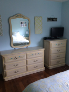 Girls bedroom set pieces