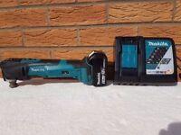 MAKITA MULTI TOOL DTM51 18v LXT LI-ION QUICK RELEASE + 1x 5ah battery + rapid charger