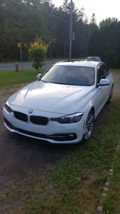 Bmw 320i Xdrive Sport Package *Comme neuve*