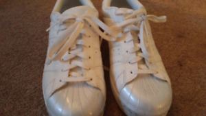 Adidas superstar women sneakers size 8.5