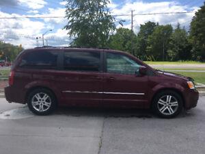 2009 Dodge Caravan SXT Minivan, Van