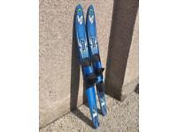 Junior excel 63 waterskis practically BRAND NEW