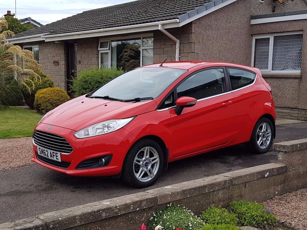 2013 ford fiesta 1 0 zetec 3dr red full service history in montrose angus gumtree. Black Bedroom Furniture Sets. Home Design Ideas