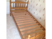 Bed single pine