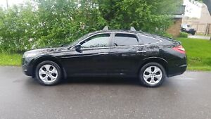 2010 Honda Accord Crosstour EX-L P.Leather Heated Seats ,P.Sunro