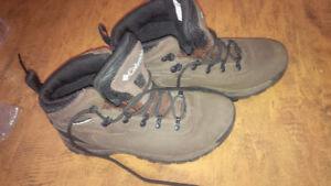 Immaculate Hiking Columbia Shoes - for sale !