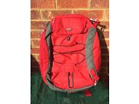 Tumi T-Tech Flow Snowboarding Backpack - Red (5199FRE)
