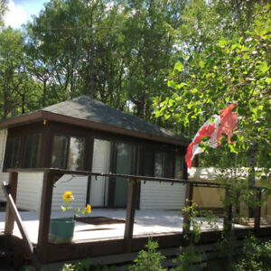 Lakefront Cottage at Manitou Beach