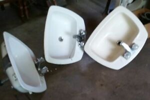3 bathroom sinks $20 each