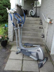 1 elliptique Ion Fitness bonne état 150$ferme pas négociable**