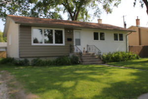 GORGEOUS FORT GARRY BUNGALOW: 3 BEDROOMS, LARGE YARD