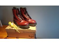 Dr Martens burgandy boots in brand new condition size 7