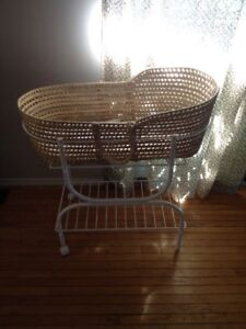 Wicker baby bassinet with stand and wheels
