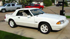 1993 Mustang Convertible - Triple White Feature Car *Mint*
