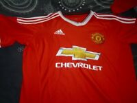 5 X MANCHESTER UNITED SHIRTS good condition