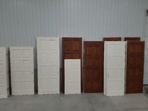 LARGE SELECTION OF USED SOLID OAK TOP QUALITY WOOD DOORS