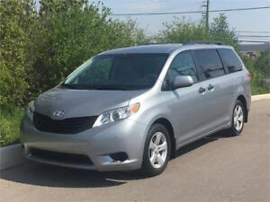 2011 Toyota Sienna **ACCIDENT FREE** FINANCING AVAILABLE!!