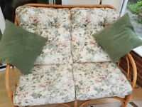 Conservatory 2 seater settee, 2 arm chairs plus round table