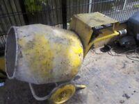 Petrol concrete mixer