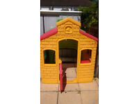 Little Tikes Town playhouse in perfect working order