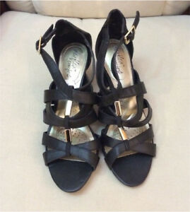 beautiful womens size 8 heel - never worn
