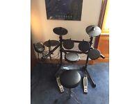 Alesis DM6 Drum Kit + Alesis TransActive Drummer AMP [Wired] + Yamaha DS550U Drum Stool