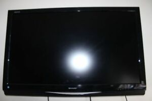 Sharp Aquos LCD TV 37 inches