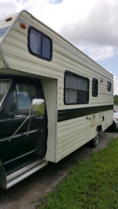 RV 1988 Ford 350 27 ft 240000km