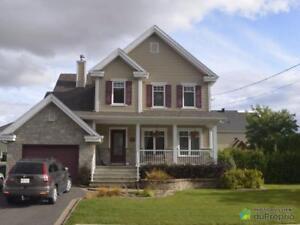 360 000$ - Maison 2 étages à vendre