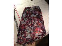 Lipsy Dipped Hem Floral Skirt