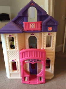 Step 2 Barbie house plus