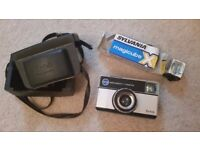 1970s KODAK INSTAMATIC CAMERA (and other vintage items)